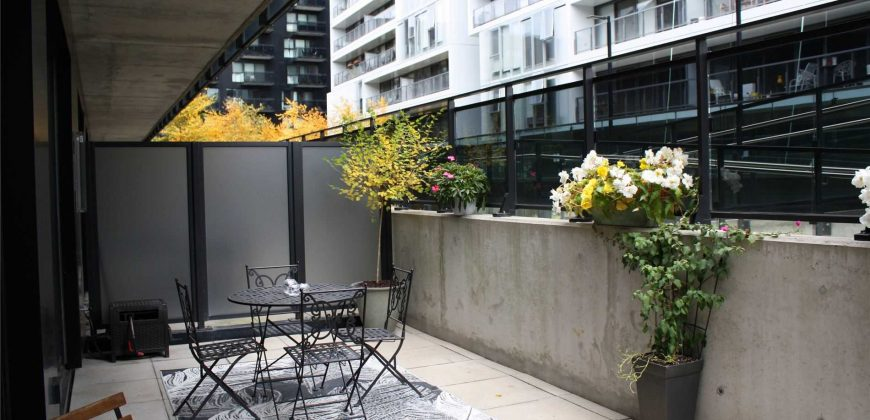 LOFTY AND STYLISH CONDO WITH 261SQFT TERRACE IN CANARY DISTRICT